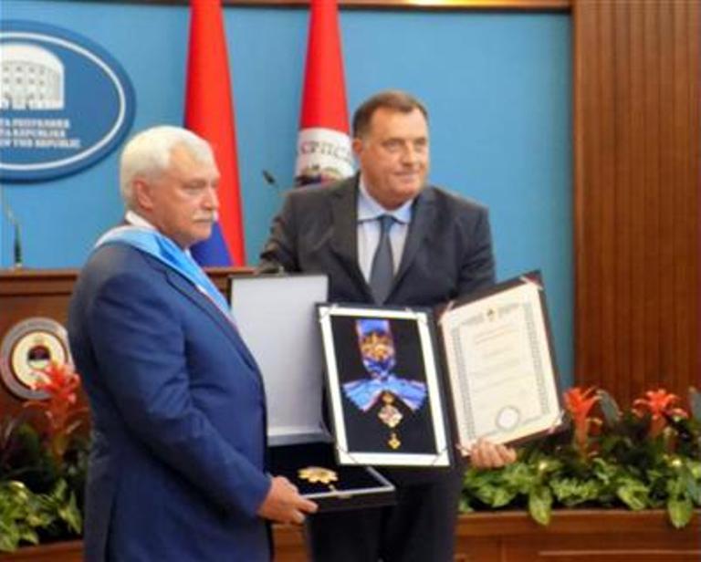 Dodik uručio Poltavčenku Orden Republike Srpske na lenti