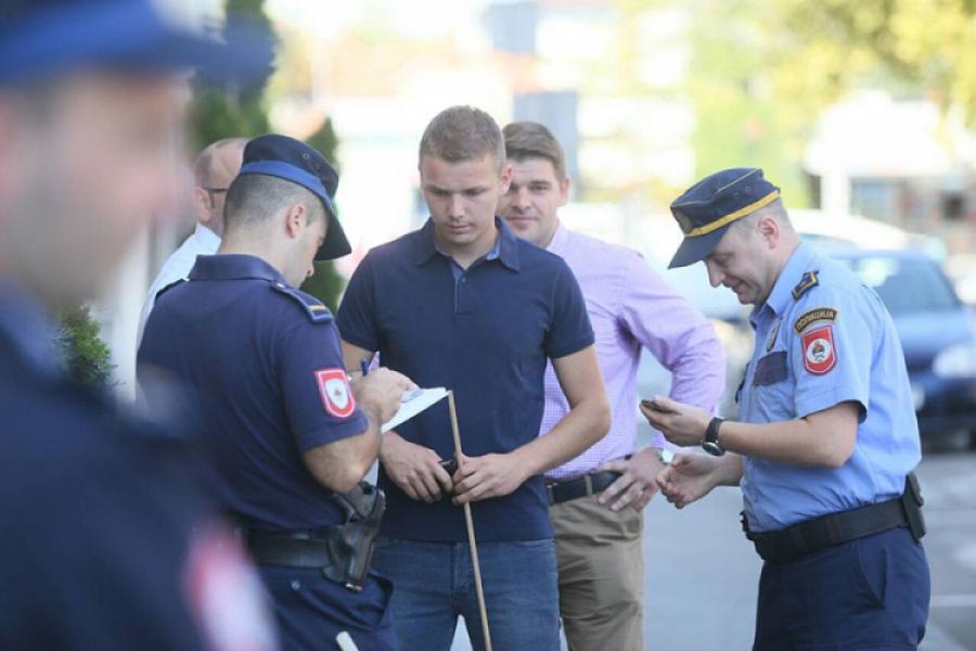 Photo of Dva lica lišena slobode u Čelincu, u toku uzimanje izjava