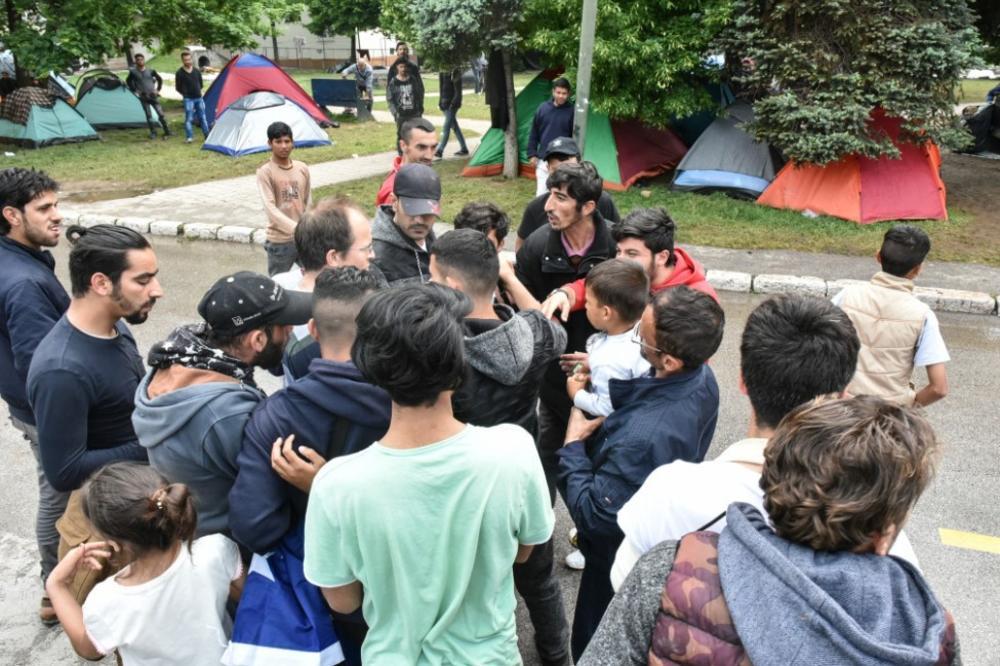 U Sarajevu uhapšena dva migranta, pronađena veća količina naoružanja