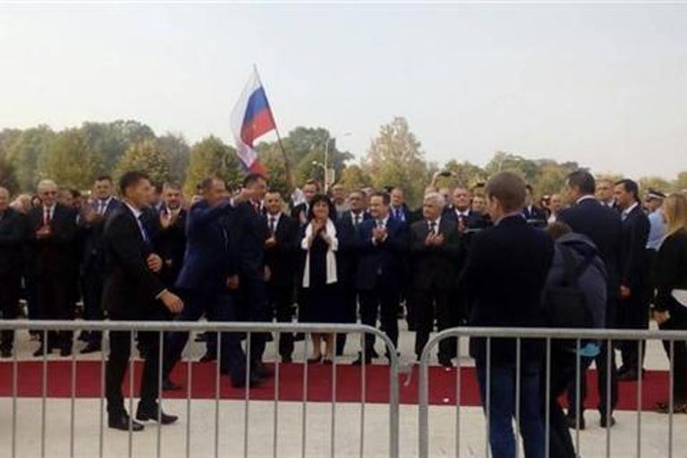 Photo of Dodik dočekao Lavrova ispred temelja srpsko-ruskog hrama
