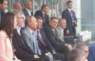 Predsjednik Dodik u društvu Putina pratio trku
