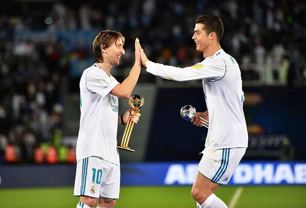 "Photo of FIFA ""ZLATNA LOPTA"": Modrić, Salah ili Ronaldo?"