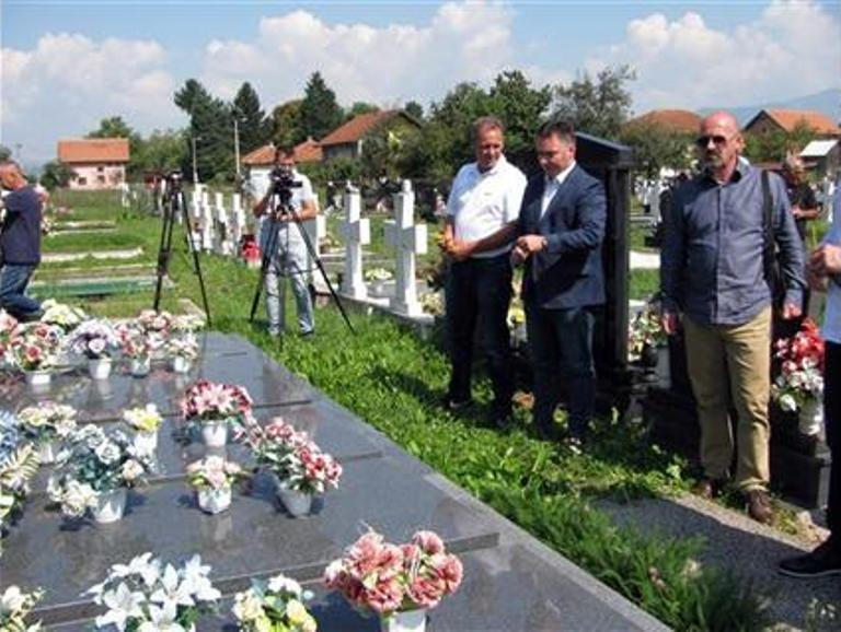 Photo of Odata počast prvim žrtvama NATO bombardovanja u Srpskoj