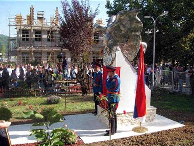 Photo of Otkriveno spomen-obilježje stradaloj djeci Srpskog Sarajeva
