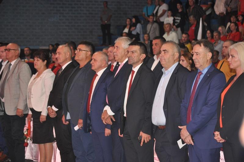 Photo of Socijalisti žele uz pomoć naroda da ekonomski jačaju i snaže Republiku Srpsku (foto)