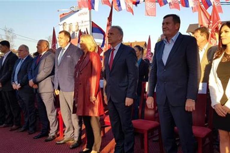 Dodik: Dobra odluka Vlade da Stanarima da status opštine