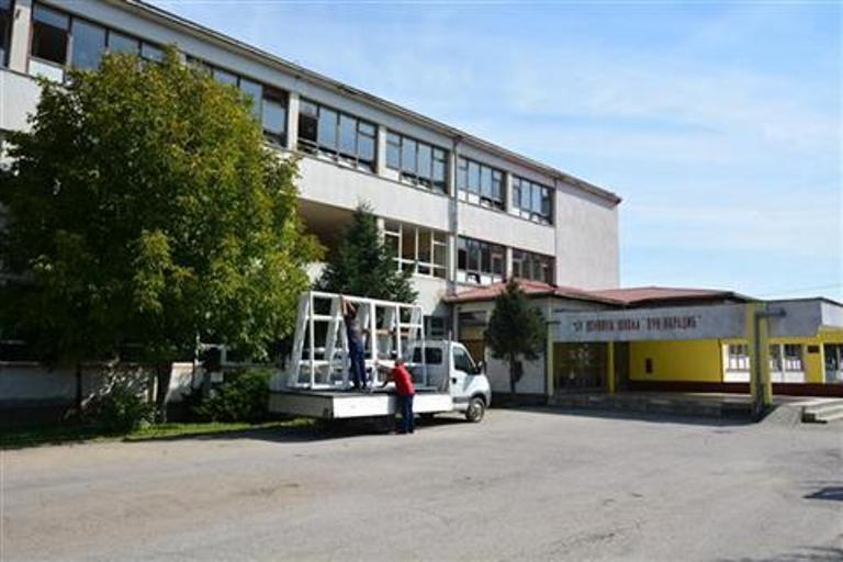 Renoviranje škole zahvaljujući pomoći Vlade Srbije