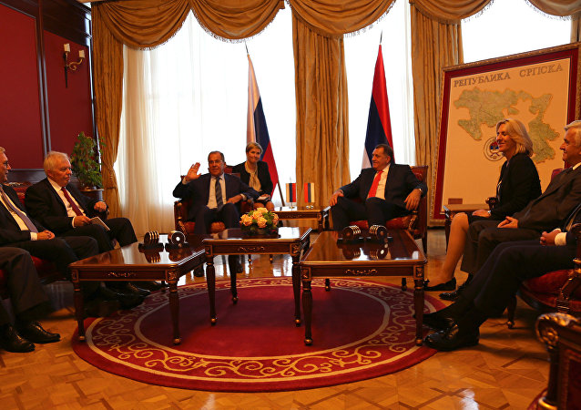 Photo of Počeo sastanak Dodika i Lavrova