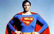 Crnac oblači odijelo Supermena?