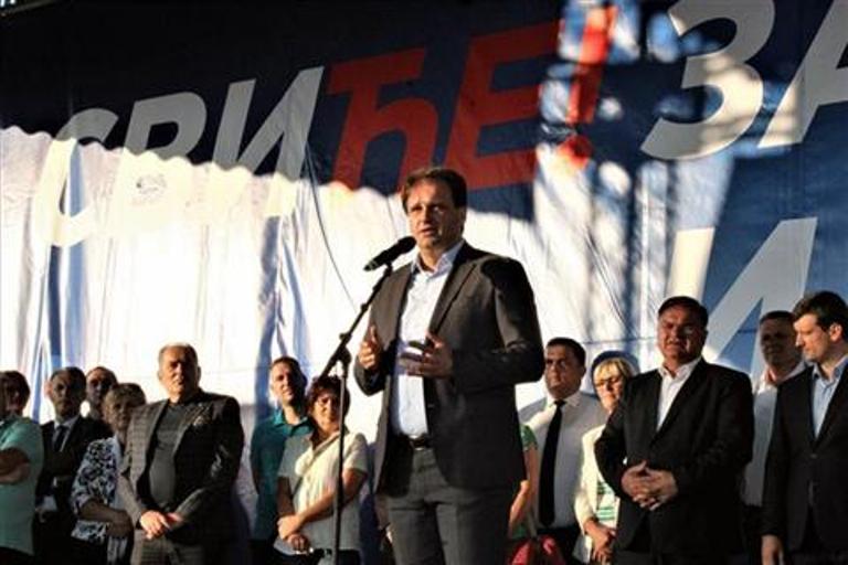 Photo of Govedarica: Hoću da radim sa onima koji su lojalni svome narodu