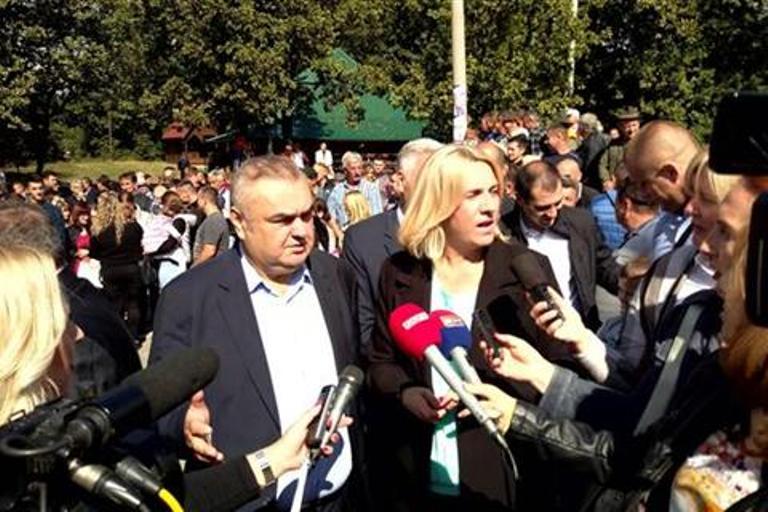 Photo of Vučić izrekao ono na šta vlast u Srpskoj odavno upozorava