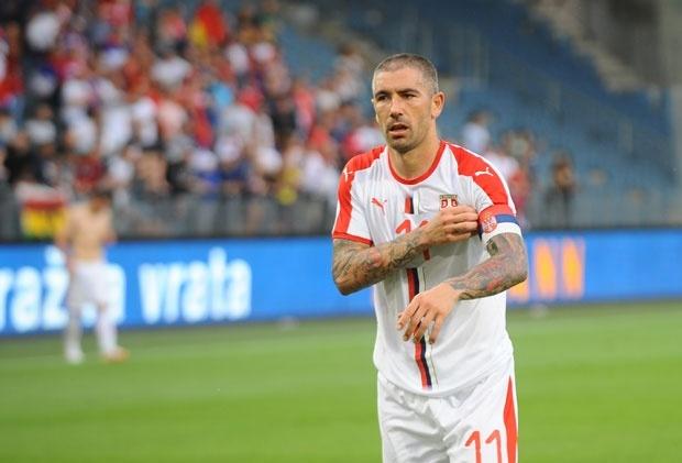Di Frančesko: Kolarov ne može ni da hoda, a kamoli da igra za Srbiju