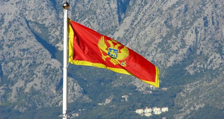 Crna Gora: Ko ne ustane na himnu biće kažnjen od 300 do 2.000 evra