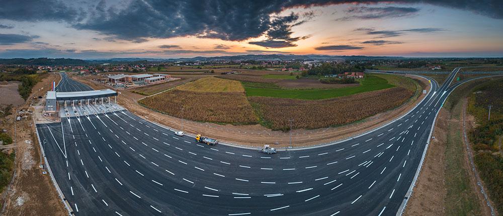 Photo of Pogledajte kako izgleda dionica autoputa Banjaluka – Doboj pred otvaranje (foto)