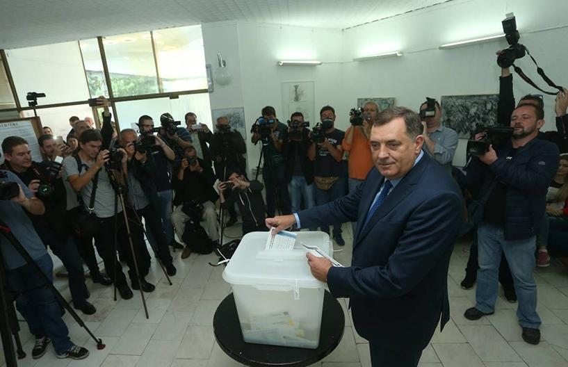 Dodik: Srećan je narod koji ima priliku da na demokratskim izborima bira svoju vlast (video)