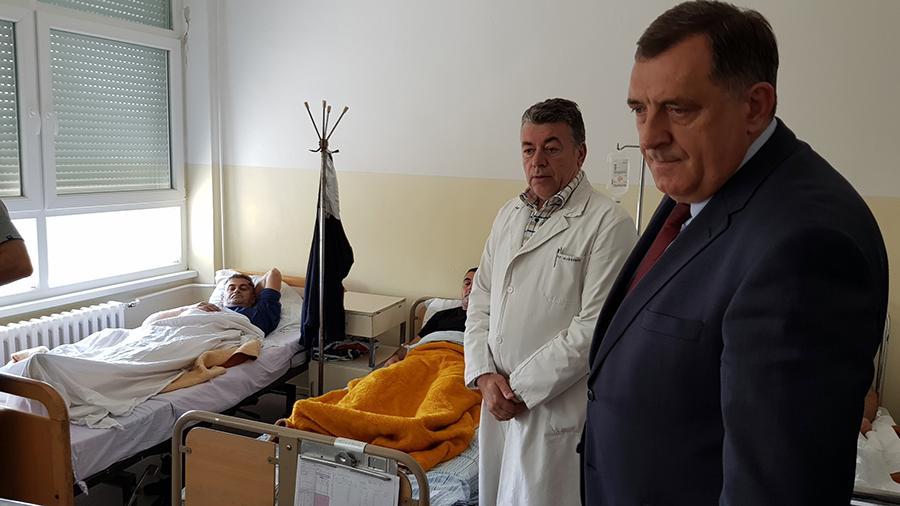 Photo of Dodik: Radnici brodske rafinerije su heroji (foto)