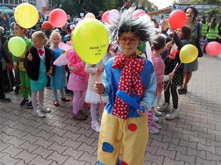 U Bratuncu organizovan tradicionalni maskenbal za djecu