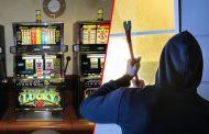 Oštetio aparat za igre na sreću i odnio novac