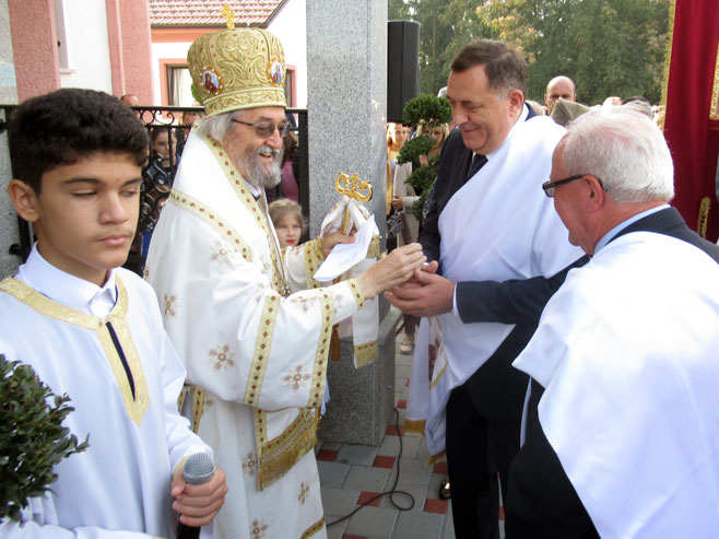 Photo of Dodik: Hram izgrađen u čast žrtava ustaškog terora