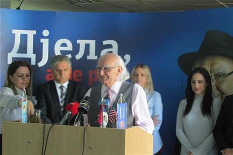 Slobodan Pavlović odustao od izborne trke i dao podršku Željki Cvijanović