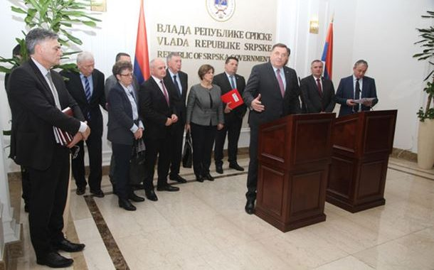 ZAHTEV SDA PO NALOGU ZAPADA: Ruše Srpsku da preseku uticaj Rusa