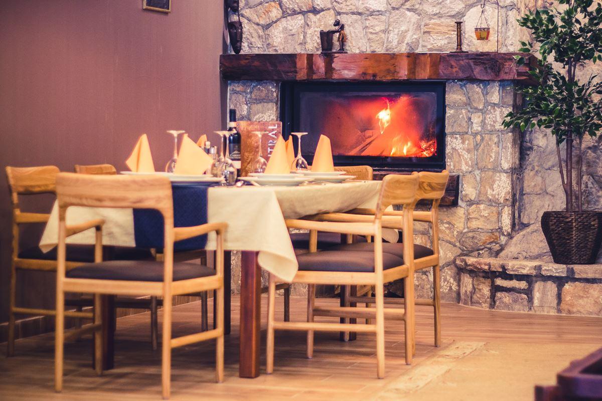 Photo of Restoran i hotel Central – Oaza mira i uživanja u centru grada