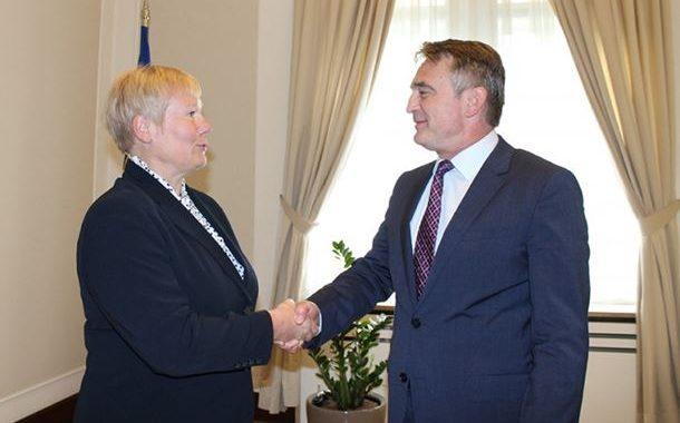 Komšić se izvinio Homanovoj zbog Dodika