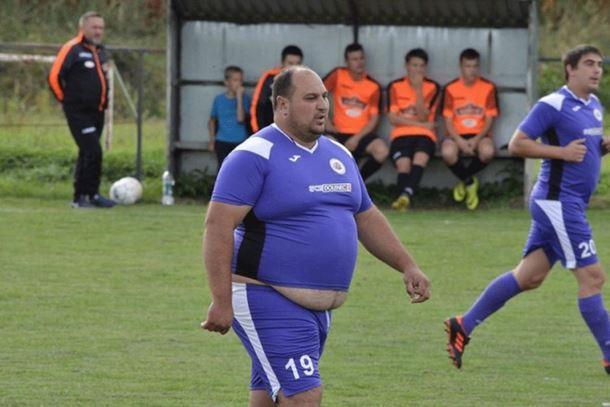 Photo of Igrač od 140 kilograma oduševio Hrvatsku: Zvali smo ga da nas spasi