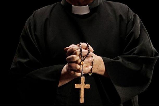 Uhapšen sveštenik u Slavoniji osumnjičen za silovanje djevojčice