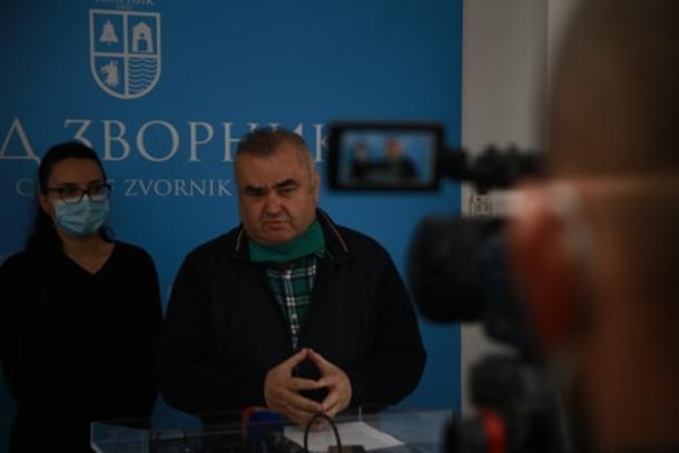 Photo of Stevanović: lice u karantinu testirano na korona virus. Ostanite disciplinovani, pred nama je još izazova