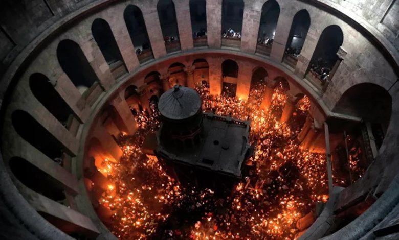 Photo of Blagodatni oganj sišao u Hristov grob