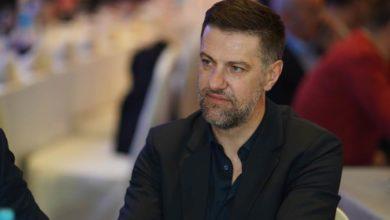 Photo of Krstajić opet žestoko po Mićiću: Izmislio je kontakt sa zaraženim od korone