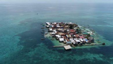 Photo of Žive u vodi do koljena, ali ne žele sa svog ostrva (video)