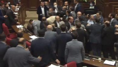 Photo of Masovna tuča u parlamentu Jermenije (video)