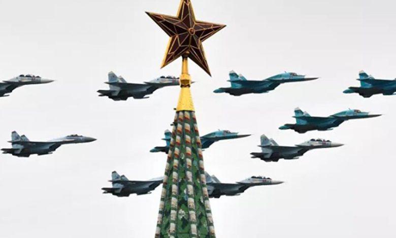 Photo of Dan pobjede u Moskvi: Let avijacije iznad Crvenog trga (video/foto)
