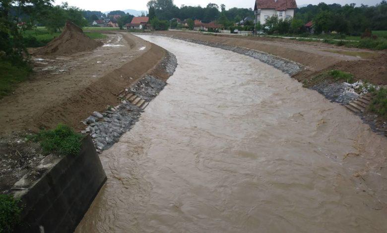 Photo of Sve manja opasnost od poplave, vodostaj Sapne manji za oko 20 cm (foto)