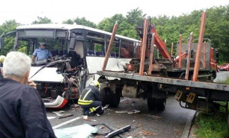 Photo of Sudar autobusa i kamiona kod Banjaluke, povrijeđeno više osoba
