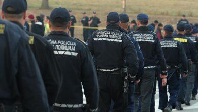 Photo of Migrante ne možemo zaustaviti bez štitova i oklopa