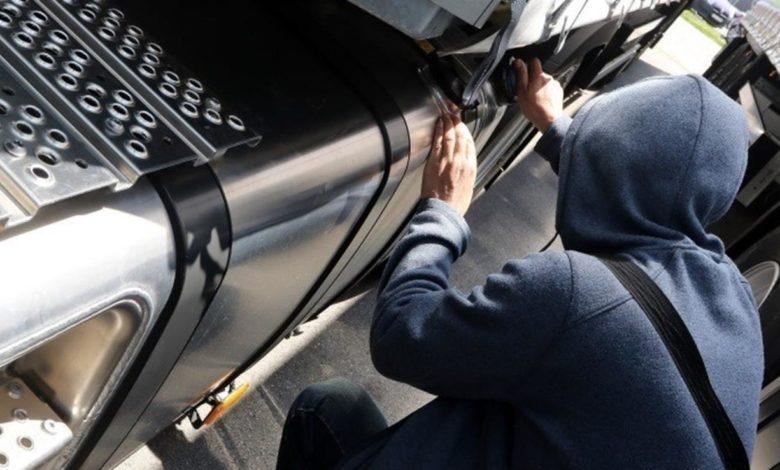Photo of Zatečen u krađi goriva iz kamiona
