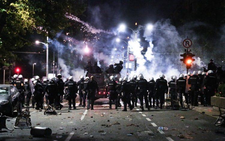Photo of Svjetski mediji izvijestili o nemirima u Beogradu