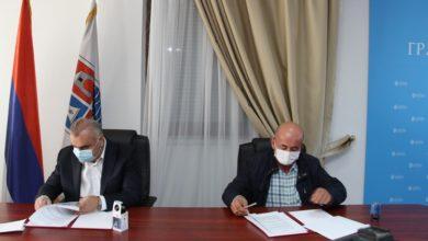 Photo of Potpisan ugovor o završetku kanalizacione mreže na Branjevu