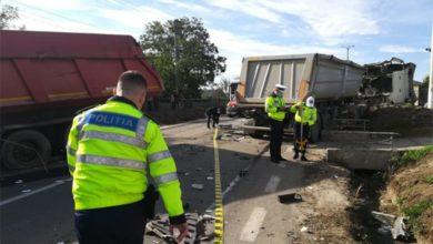 Photo of Strašan sudar dva kamiona, vozači heroji se namjerno sudarili!