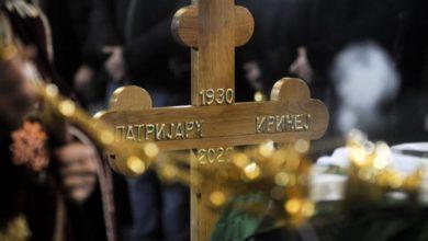 Photo of Kovečg sa tijelom patrijarha Irineja stigao u Hram na Vračaru