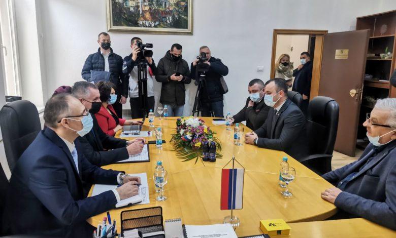 Photo of Višković i Grujičić se sastali u Srebrenici