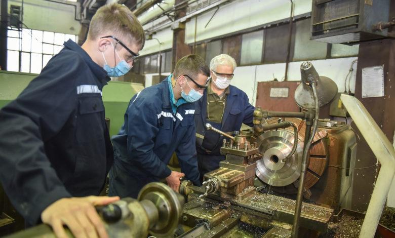 """Photo of Učenici Tehničkog školskog centra Zvornik na praksi u kompaniji """"Alumina"""""""