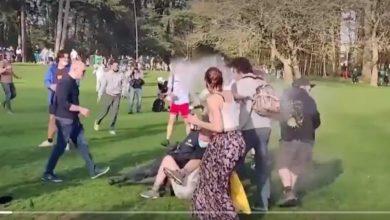 Photo of Snimci obilaze svijet, 2.000 ljudi u žestokim sukobima sa policijom