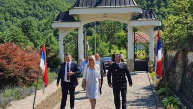 Photo of U manastiru Sase služen parastos poginulim srpskim vojnicima; Prisustvovali zvaničnici Srpske