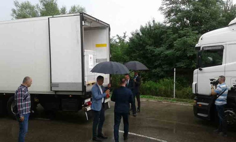 """Photo of """"Sinofarm i Sputnjik"""": U Srpsku stiglo skoro 300.000 doza vakcina"""