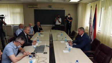 Photo of Višković sa rukovodstvom kompanije Alumina