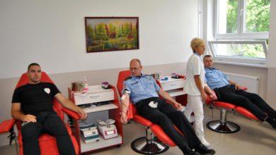 Photo of U dvodnevnoj akciji 32 policajca dala krv